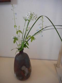 ニラの花 花瓶.JPG