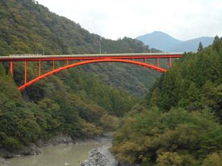 赤い吊り橋.JPG