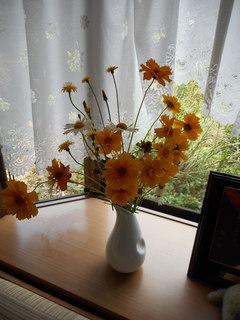 野の花の生け花2 HP用.JPG