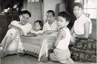 4歳。家族写真。.JPG